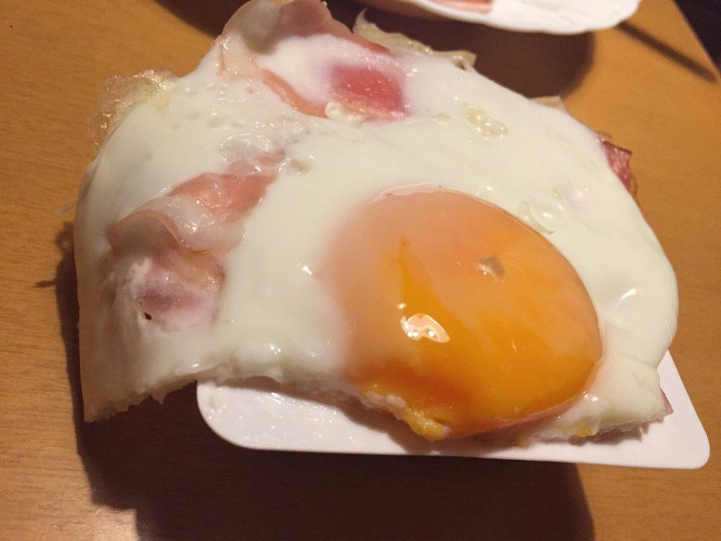 ベーコンエッグ(今日の豆腐)